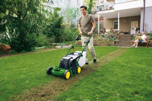 Scarifier pelouse passage indispensable pour a rer et renforcer votre gazon - Scarificateur pour pelouse ...