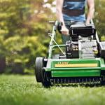 Scarifier pelouse passage indispensable pour aérer et renforcer votre gazon