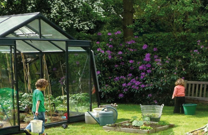 choisir la paroi de ma serre de jardin. Black Bedroom Furniture Sets. Home Design Ideas